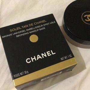 Soleil Tan de Chanel Bronzing Make Up Base